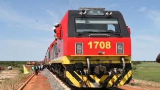 Trabalhadores do Caminho-de-Ferro de Luanda exigem compromisso escrito
