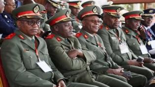 Presidente angolano exonera e nomeia quadros militares