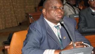 Deputados pedem divisão do Grupo Parlamentar da CASA-CE
