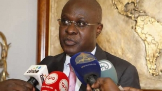 Governo rejeita trajetória de crescimento empobrecedor do país