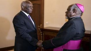 José Eduardo dos Santos garante boa transição politica em Angola aos líderes religiosos