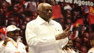 Eduardo dos Santos deixa liderança do MPLA a 08 de setembro