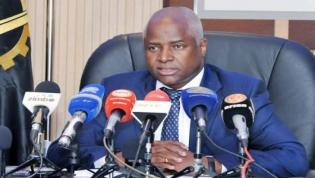 Ministro do Interior desencoraja uso de armas de fogo por parte da polícia