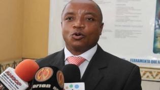Angola tem mais de 300 mil funcionários públicos