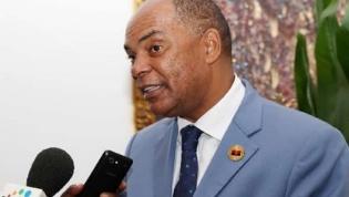 """OGE para 2019 é """"embuste"""" e """"nada transparente"""", diz oposição angolana"""