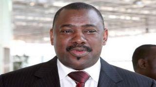 Presidente angolano exonerou ministro dos Transportes