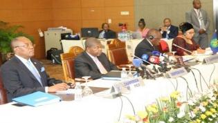 """Cimeira de Luanda vê """"progresso significativo"""" na RDCongo rumo às eleições"""
