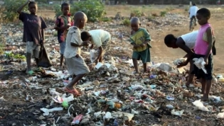 Governo angolano propoe-se erradicar pobreza extrema até 2030
