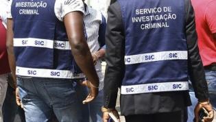 """Agentes da polícia detidos em Luanda por """"extorsão e roubo"""" a cidadão eritreu"""