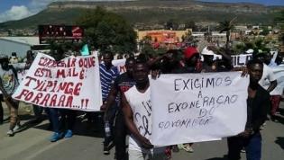 Manifestantes exigem a destituição do governador provincial da Huíla