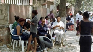 'Kinguilas' de Luanda sem euros, dólares, kwanzas ou clientes